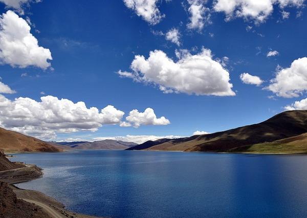 羊卓雍措湖旅游景点欣赏
