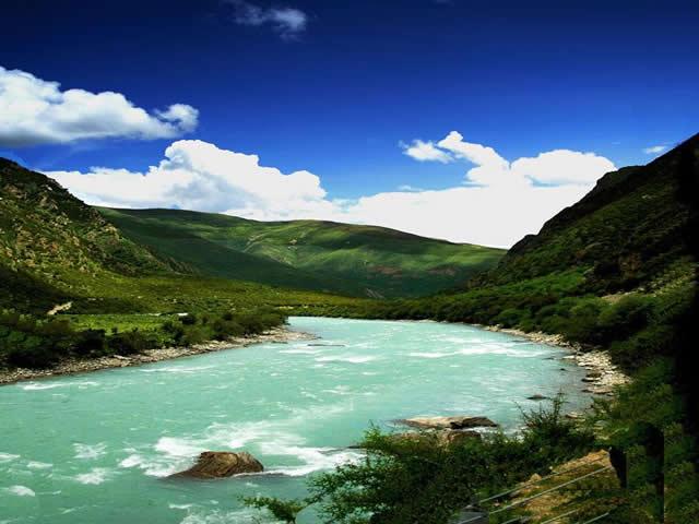 雅鲁藏布大峡谷图片
