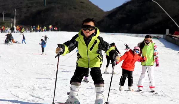 到浏阳大围山滑雪应该注意什么?大围山滑雪场带什么东西和衣服?