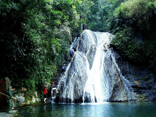古东森林瀑布门票,桂林古东森林瀑布门票价格是多少钱?古东瀑布好玩吗