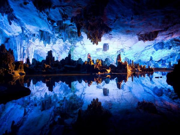 桂林芦笛岩图片