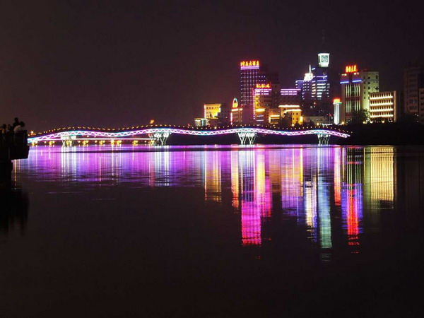 <a href=http://www.ayecor.com/vjingdian_1330.html>夜游三亚湾</a>