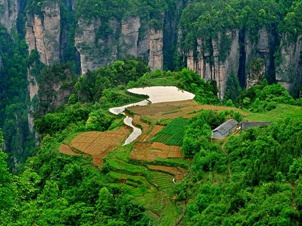 <a href=http://www.97616.net/vjingdian_4037.html><a href=http://www.97616.net/vjingdian_4037.html>杨家界风景区</a></a>