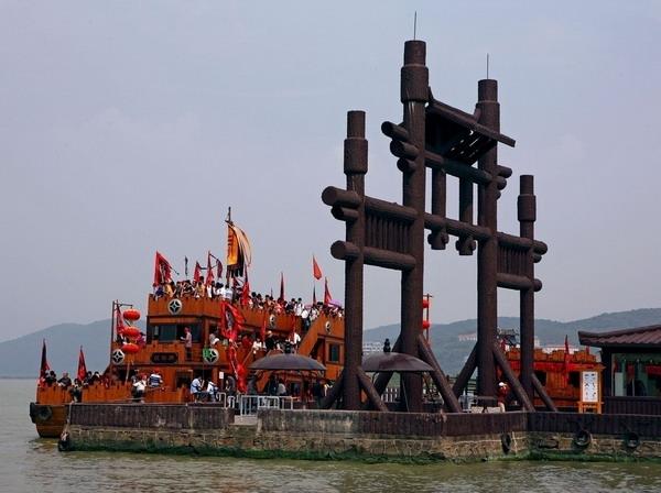 <a href=http://www.97616.net/vjingdian_1753.html>无锡</a>三国城图片