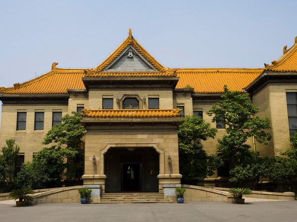 <a href=http://dinosauron.com/vjingdian_456.html>伪满皇宫博物院</a>图片