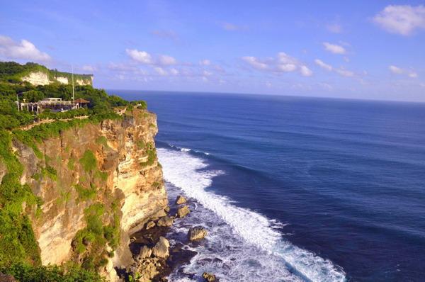 巴厘岛<a href=http://www.97616.net/vjingdian_4457.html>乌鲁瓦图情人崖</a>