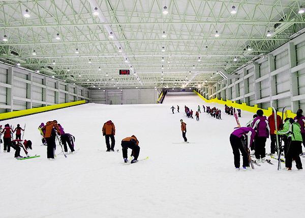 长沙到平江石牛寨、浏阳瑞翔冰雪世界瑞翔滑雪二日游旅游团