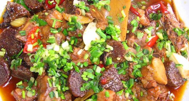 血粑鸭-凤凰古城最为有名的特色菜