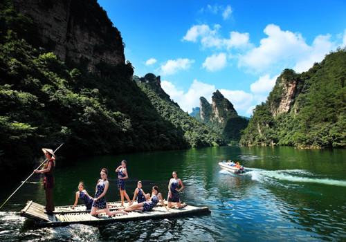张家界宝峰湖、天门山二日游纯玩旅游团