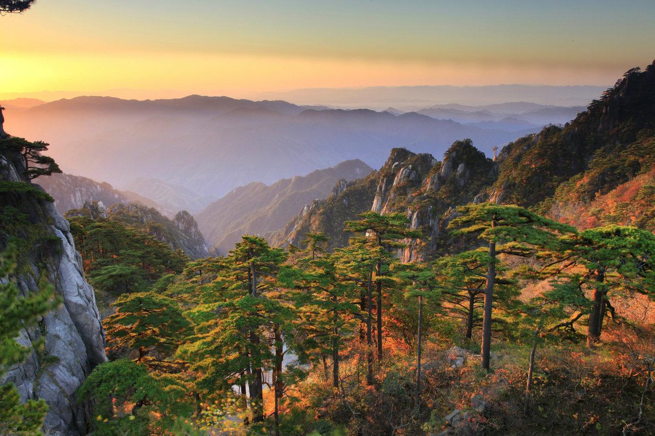 从长沙到黄山全景、九华山高铁4日游品质旅游团(住黄山山顶看日出)