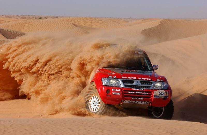 鸣沙山月牙泉沙漠探险