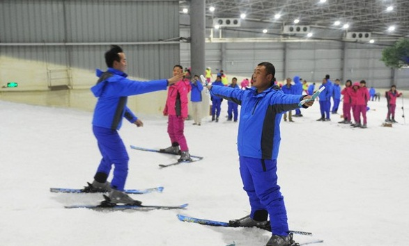 长沙首家室内滑雪场三只熊冰雪王国营业,长沙三只熊滑雪地址