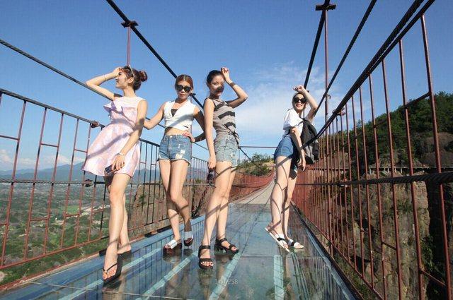 平江石牛寨高空玻璃桥好玩吗?刺激吗?