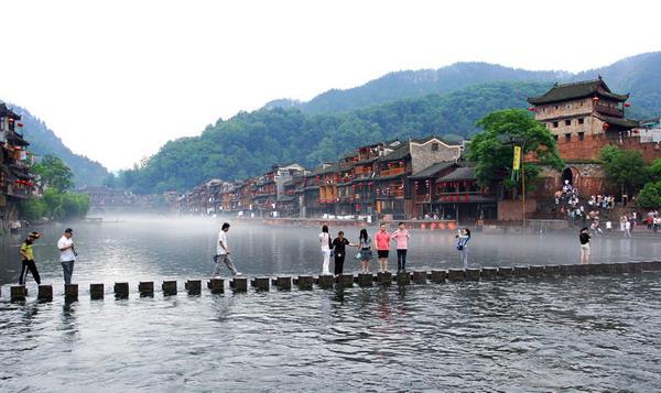 到凤凰古城旅游几月去最适宜