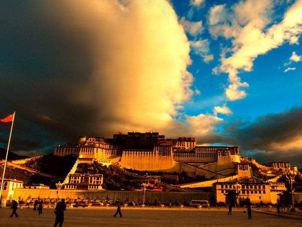 长沙到西藏老年人夕阳红旅游专列,长沙拉萨、纳木措双卧精典八日游