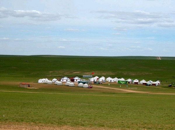 去内蒙古旅游要准备些什么?去内蒙古旅游穿什么衣服合适