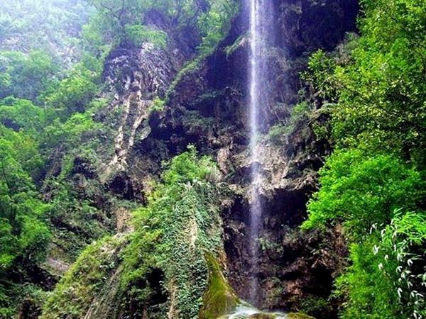 长沙到武隆天生三桥-仙女山-黑山谷双飞4日游旅游
