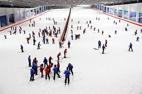 长沙到浏阳瑞翔滑雪场+真人CS一日游