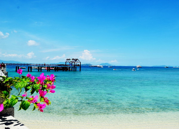 长沙到三亚蜈支洲岛、南湾猴岛、西岛爱尚海岛双飞5日游(零自费、赠送红艺人表演+夜游三亚湾)