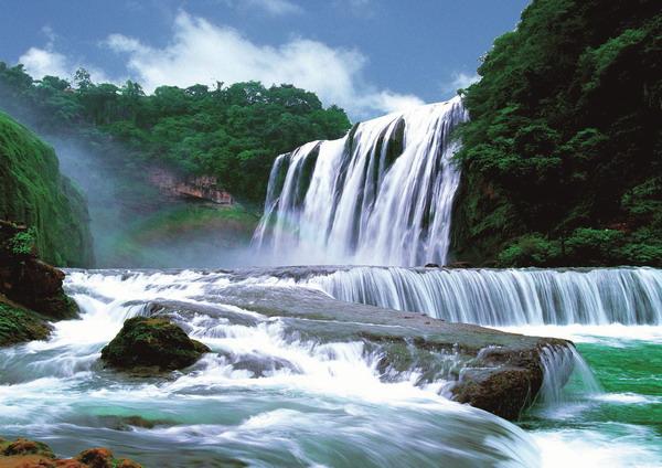 夏季去哪里旅游最好?7月暑假夏季旅游去哪里?国内瀑布推荐