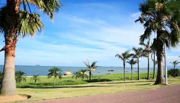<a href=http://dinosauron.com/vjingdian_435.html>鼓浪屿</a>海滨沙滩