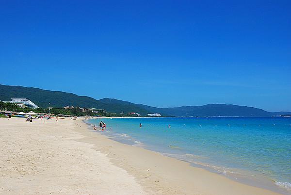 亚龙湾沙滩游玩旅游攻略_三亚亚龙湾沙滩要门票吗