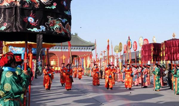 2月适合去哪里旅游?到北京逛庙会 看绝活