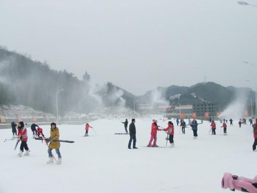 大围山滑雪场下雨天可以滑雪吗