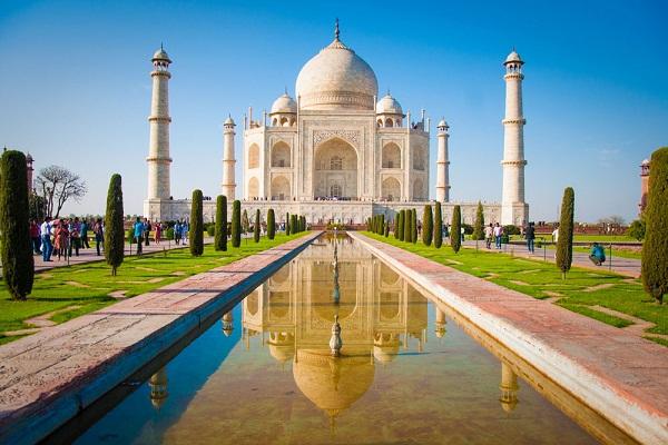 长沙旅行社报团到印度、尼泊尔四飞9日游五星品