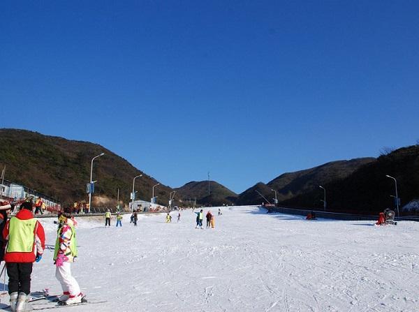 大围山野外滑雪场