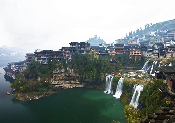 双镇记•长沙到凤凰古城、民俗晚会、下游泛舟