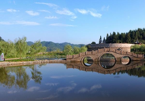 <a href=http://dinosauron.com/changshadaomouyuanlvyou/>婺源</a>瑶湾景区