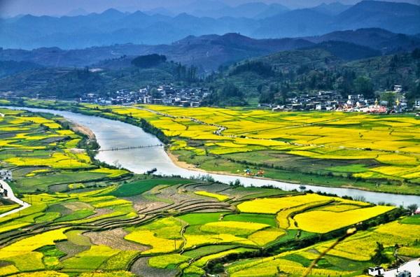 [慢游贵州]长沙到贵州黄果树瀑布、金海雪山、下司古镇、西江千户苗寨、青岩
