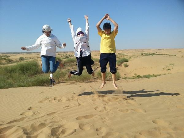 <a href=http://dinosauron.com/vjingdian_662.html>库布齐沙漠</a>