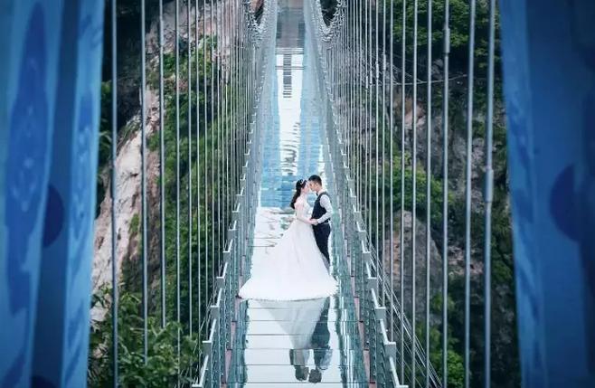 长沙石燕湖天空玻璃廊桥1日游