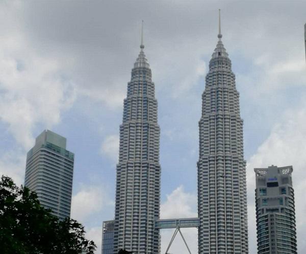 长沙到新加坡+马来西亚波德申双飞5晚6天旅游团