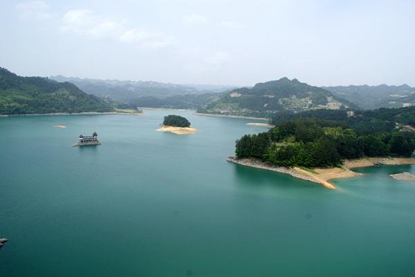 长沙到重庆酉阳桃花源、武隆、黔江小南海、吉首矮寨大桥汽车4日游
