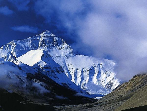 珠穆朗玛峰在哪个省?珠穆朗玛峰在哪个国家?珠穆朗玛峰在哪个
