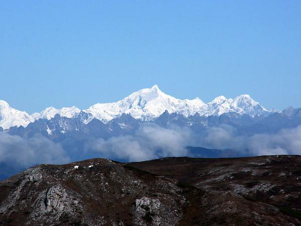 石卡雪山图片