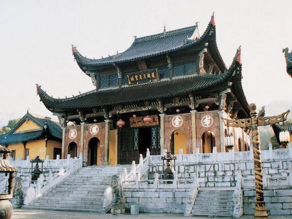 九华山<a href=http://dinosauron.com/vjingdian_1779.html>肉身宝殿</a>